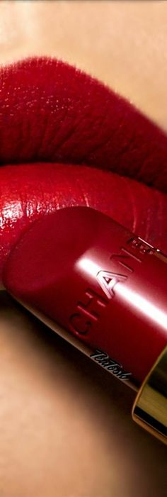 32 Trendy Nails Red Tips Pink Love Makeup, Beauty Makeup, Chanel Beauty, Red Makeup, Chanel Lipstick, Lipstick Kiss, Perfect Red Lips, Glossy Lips, Fabulous Nails