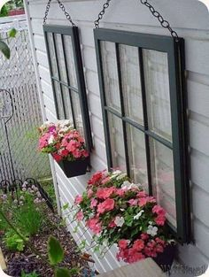 Hanging Window Planters...these are the BEST Garden & DIY Yard Ideas!