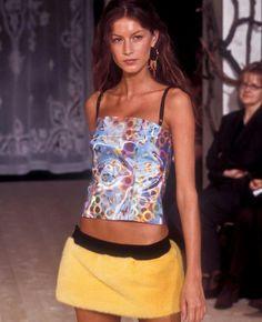 Gisele Bundchen - Dolce & Gabbana f/w 1999