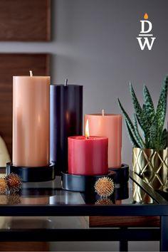 Bei den gegossenen, durchgefärbten Stumpen Kerzen verbindet sich Material, Form, Farbe und Oberflächengestaltung zu einer einzigartigen Qualität. Diese und viele weitere Produkte haben wir in den verschiedensten Größen in unserem Onlineshop! Shops, Pillar Candles, Form, Material, Autumn, Winter, Gifts, Products, Winter Time