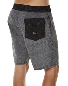 """Features Above knee fit Colour: Black Material: 50% Cotton, 42% Polyester, 8% Elastane Leg length: 18"""" 4-way stretch Fitted waist with drawstring Hand pockets and back flap patch pocket Heavy crinkle acid washSize + Fit Guide Model's Height: 183cm Model's Chest: 94cm Model's Waist: 79cm Model wears a Size: M/32"""
