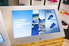 ASICS retail concept by Green Room Brussels Belgium Trail, Retail Concepts, Retail Merchandising, Brussels Belgium, Green Rooms, Retail Design, Store Design, Asics, Footlocker