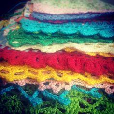 Produzindo e-book com bicos e gráficos de crochê. Aguarde! #coisasdaléia