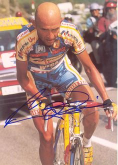Marco Pantani - Just watched the Marco Pantani documentary. What a cool dude. Bicycle Women, Bicycle Race, Cycling Tips, Cycling Art, Alpe D Huez, Push Bikes, Vintage Cycles, Fixed Bike, Fixed Gear