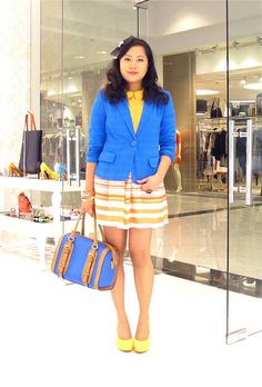 I visited the Ferretti store in Glorietta 1 yesterday and positively ooohd when I saw the new pumps. They're the highest we've come out with yet at 4.5 inches, but of course they're still as lightweight and as comfy as ever. There's a basic black, sky blue, pastel pink, and a true lemon yellow. I bought the yellow as soon as I fitted it!