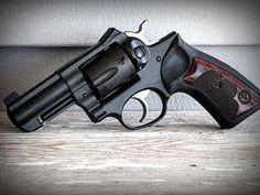 Manufacturer: Ruger Mod. SP 101 Type - Tipo: Revolver Caliber - Calibre: 357 Magnum Capacity - Capacidade: 5 Rounds Barrel length - Comp.Cano: 2 Weight - Peso: 737...