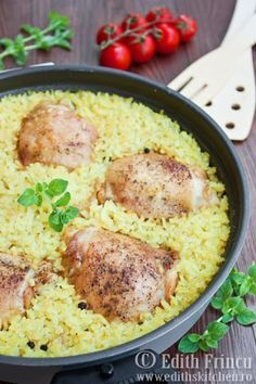 Easy chicken pilaf with saffron that brings childhood memories Saffron Rice, Grain Foods, Couscous, Asparagus, Risotto, Main Dishes, Chicken Recipes, Food And Drink, Cooking Recipes