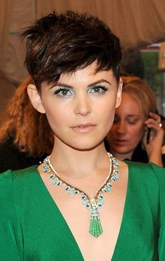Ginnifer Goodwin Beautiful pixie haircut paired with a mint shade of makeup