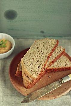 Bezglutenowy chleb z garnka. Prosty i pyszny.