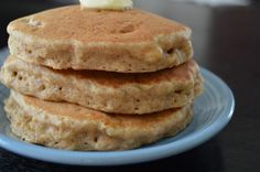 Banana spelt pancakes >> nice breakfast option if you can tolerate spelt & gluten