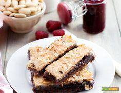 Barrette al cioccolato con confettura al lampone e pasta di mandorle  #ricette #food #recipes