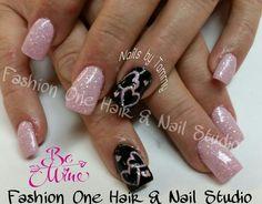 Valentine's nails #SquareInstaPic #glitternails #valentinesnails #prettyjnpink #nailsbytammy #coloredgel #handpainted