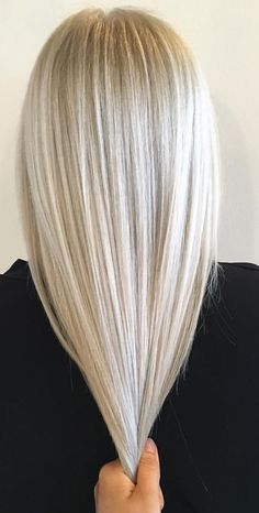 60 Stunning Platinum Blonde Hair Color Inspirations for 2019 Platinum blonde hair color ideas are highly-coveted shades. The fact of being very uncommon makes these platinum blonde hair color is so popular among. Platinum Blonde Hair Color, Blonde Hair Shades, Blonde Hair Looks, Ombre Hair Color, Blonde Color, Cool Hair Color, Hair Colour, Platnium Blonde Hair, Blonde Hair At Home