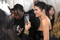 Pictured: Travis Scott and Kylie Jenner Image Source: Getty / Mike Kylie Jenner Workout, Kylie Jenner Style, Kendall Jenner, Travis Scott Kylie Jenner, Kyle Jenner, Kim Kardashian, Kardashian Family, Kylie Baby, Rapper
