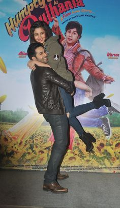 Why do they keep lifting each other at the promotions of Humpty Sharma ki dulhaniya