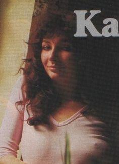 Kate Bush on a magazine Kate Bush Babooshka, Victoria Principal, Women Of Rock, Divas, Marilyn Monroe Photos, Fishing Girls, Biker Girl, Female Singers, Celebs