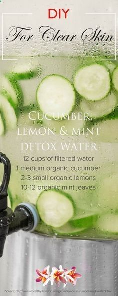 5 detox water recipes for maintaining a healthy clear skin! Discover DIY beauty recipes and natural skin care tips at Smoothie Detox, Cleanse Detox, Skin Cleanse, Diet Detox, Juice Cleanse, Stomach Cleanse, Detox Foods, Detox Meals, Skin Detox