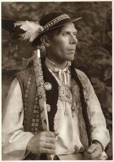 Peasant from Ždia, Tatra Mountains Slovakia. Peasant Clothing, Polish Folk Art, Tatra Mountains, Native American Wisdom, Bohemian Girls, Folk Embroidery, We Are The World, Culture, European History