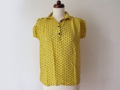 Yellow and Black Blouse Vintage by PaperdollVintageShop, Short Sleeve Dresses, Dresses With Sleeves, Blouse Vintage, Black Blouse, 1970s, Yellow, Tops, Women, Fashion