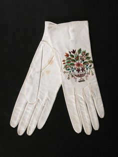 1800 - 1830  Kid leather and silver thread