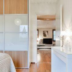 Tämä Pirkkalan koti on kyllä niin kiva. Niin kodikas  #mustikkakuja 5 #pirkkala ➡ www.villalkv.fi