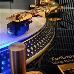 #gold #technics #sexy #1200 #rare #mk2 #limitededition #scratch #turntablism by visualize1 http://ift.tt/1HNGVsC