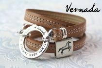 """Vernada Design -kieputettava nahkakäsikoru, UNELMOI. USKO. TAISTELE. USKALLA., beige """"HEPPA""""  #Vernada #jewelry #koru #nahkaranneke #nahkakoru #rannekoru #bracelet #kieputettava #wraparound #leather #suomestakäsin #käsityökortteli #finnishdesign #finnishfashion #kuolain #hevoskoru #hevonen #hevosaihe"""
