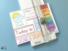 Free DIY Children's Calendar printables available in English, Spanish and French! This calendar is a great learning tool to use with children daily and a fun way to learn about the weather, days of the week and plan out your day! Visual Schedule Preschool, Preschool Calendar, Calendar Activities, Calendar Board, Diy Calendar, Calendar Pages, Calendar Calendar, Halloween Treat Boxes, Diy Halloween Treats