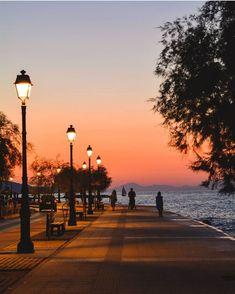 """Ο χρήστης ⒻⒺⒶⓉⓊⓇⒺ ⒶⒸⒸⓄⓊⓃⓉ κοινοποίησε μια δημοσίευση στο Instagram: """"Greece moments  Presents⠀⠀⠀⠀⠀⠀⠀⠀⠀ ⠀⠀⠀⠀⠀⠀⠀⠀⠀ 🔆Moment Of The Day🔆⠀⠀⠀⠀⠀⠀⠀⠀⠀ ⠀⠀⠀⠀⠀⠀⠀⠀⠀ 🏆…"""" • Ακολουθήστε το λογαριασμό του για να δείτε 2,578 δημοσιεύσεις. Cool Pictures, Cool Photos, Archaeological Site, Beautiful Beaches, Beautiful World, Sunrise, Places To Visit, In This Moment, Vacation"""