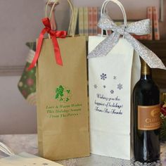 5 x 13 Personalized Christmas Wine Bottle Bags w/ Handles (Set of 25) Wine Christmas Gifts, Adult Christmas Party, Christmas Wine Bottles, Christmas Party Themes, Wine Bottle Gift, Bottle Bag, Wine Gifts, Love Holidays, Gift Vouchers