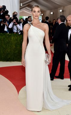 Rosie Huntington-Whiteley - I feel like something weird is happening on the shoulder, but overall, I like this.