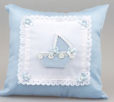 Fistolu çiçekli bebek takı yastığı modeli