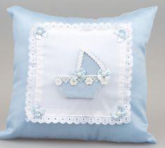 Fistolu çiçekli bebek takı yastığı modeli Designer Pillow, Pillow Design, Baby Pillows, Throw Pillows, Baby Schmuck, Luxury Nursery, Applique Cushions, Embroidered Pillowcases, Sewing Appliques