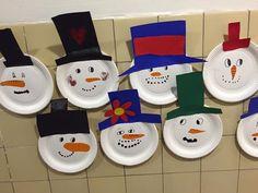 Juleklip. Alle børn i 0. Kl. har lavet deres egen snemand.