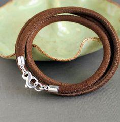 Infinity Clasp Brown Suede Leather Wrap por LynnToddDesigns en Etsy