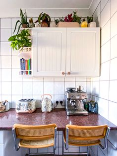 10 cheap Interior Design Advice, Interior Stylist, Ikea Kitchen, Kitchen Ideas, Home And Living, Home And Family, Decorating Tips, Interior Decorating, Heart Flutter