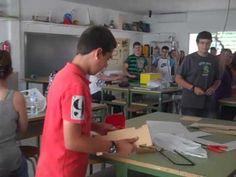 las aulas de una escuela en Espana   Use to show when teaching classroom vocab