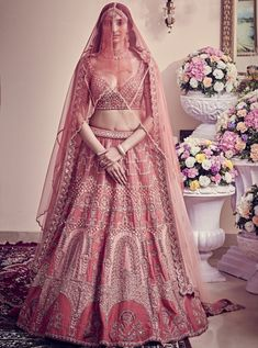 Party Wear Indian Dresses, Indian Bridal Outfits, Indian Bridal Fashion, Indian Bridal Wear, Indian Designer Outfits, Bridal Dresses, Indian Wear, Bridal Lehenga Online, Designer Bridal Lehenga