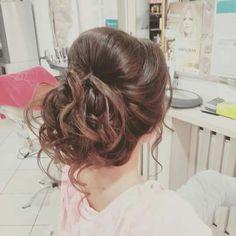#Messy #bun Messy Bun, Long Hair Styles, Beauty, Messy Chignon, Messy Buns, Long Hair Hairdos, Cosmetology, Long Hairstyles, Long Haircuts