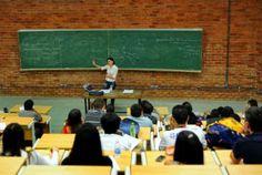 Governo cancela 110 bolsas de estudantes sem fluência em inglês
