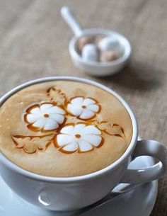 Cappuccino - ♥ Coffee - the prettiest flower design I've seen Coffee Latte Art, I Love Coffee, Coffee Cafe, Coffee Break, My Coffee, Coffee Drinks, Coffee Shop, Cappuccino Art, Coffee Mugs
