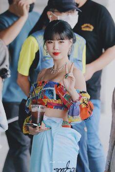 Kpop Girl Groups, Korean Girl Groups, Kpop Girls, Soo Jin, Fandom, Take Better Photos, Extended Play, Cube Entertainment, Soyeon