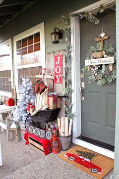 If you like Front Porches Farmhouse Christmas Decorations Ideas lets read more and see our pins. I think its best of list for Front Porches Farmhouse Christmas Decorations Ideas Farmhouse Christmas Decor, Outdoor Christmas Decorations, Country Christmas, Christmas Home, Christmas Crafts, Holiday Decor, Christmas Island, Simple Christmas, Tree Decorations