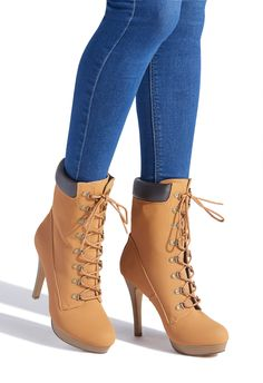 You need this heeled construction boot in your life! Tuck in a pair of ripped skinnies and head to happy hour with the girls. Unique Shoes, Trendy Shoes, Cute Shoes, Me Too Shoes, High Heel Boots, Shoes Heels Boots, Heeled Boots, Women's Boots, Jordan Shoes Girls
