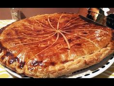 Galette des Rois crème d'amande 100% maison facile rapide - YouTube Farine T45, Pancakes, Breakfast, Desserts, Food, Flat Cakes, Greedy People, Morning Coffee, Tailgate Desserts