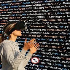 La realidad virtual (RV) es un entorno de escenas u objetos de apariencia real. La acepción más común refiere a un entorno generado mediante tecnología informática que crea en el usuario la sensación de estar inmerso en él. Dicho entorno es contemplado por el usuario a través normalmente de un dispositivo conocido como gafas o casco de realidad virtual. Este puede ir acompañado de otros dispositivos como guantes o trajes especiales que permiten una mayor interacción con el entorno así como…