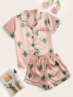 Cactus Print Satin Pajama Set Type: Loungewear Color: Multicolor Style: Casual Season: Summer Material: Polyester Shoulder: XS: 39 cm, S: 40 cm, M: 41 c Set Fashion, Teen Fashion Outfits, Look Fashion, Girl Outfits, Fashion Styles, Gothic Fashion, Steampunk Fashion, Fashion Ideas, Cute Pajama Sets