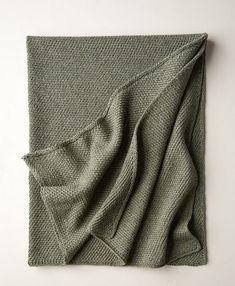 Ravelry: Diagonal Slip Stitch Blanket pattern by Purl Soho Easy Knitting Patterns, Knitting Stitches, Baby Knitting, Knitting Ideas, Afghan Patterns, Knitting Projects, Baby Patterns, Free Knitting, Crochet Patterns