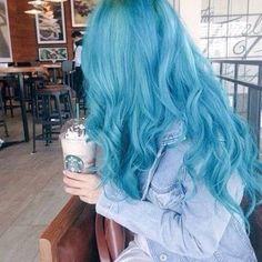 Imagem de blue, hair, and starbucks Blue Wig, Hair Color Blue, Cool Hair Color, Hair Colors, Gray Color, Ombre Color, Blue Ombre, Teintes Pastel, Light Blue Hair