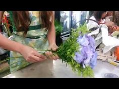 Florist Singapore | How to make Lily Hand Bouquet | Best Singapore Florist - YouTube